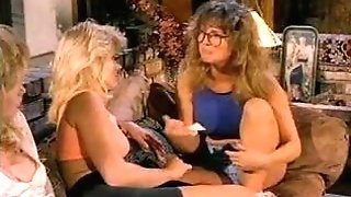 Old school Jeanna Fine and Monna Pozzi Buttfuck 3somme