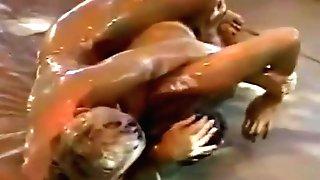 Dww Mud Grappling Kriszta Vs Monika