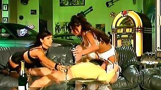 Adeline Lange & Nina Roberts  Youthfull Dude Having Joy With Two Gfs