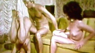 G/g Honeys Love to Taste Each Other (1960s Antique)